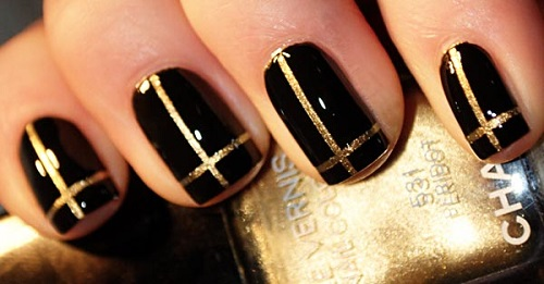 gold-chanel-stripes-black-nails-ideas1