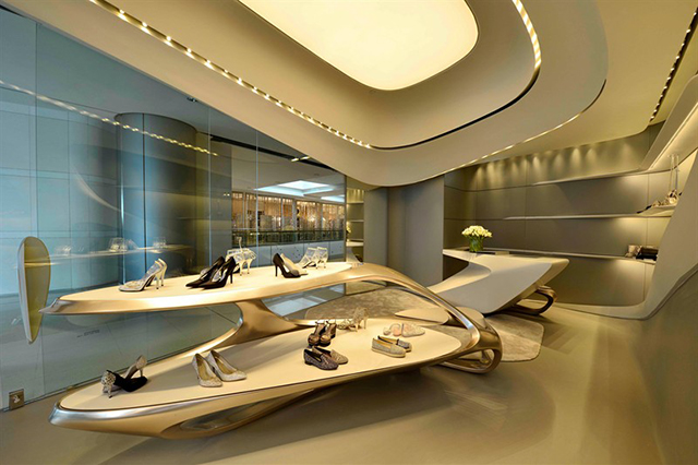 futuristic-aesthetic-new-stuart-weitzman-boutique-designed-by-zaha-hadid_1