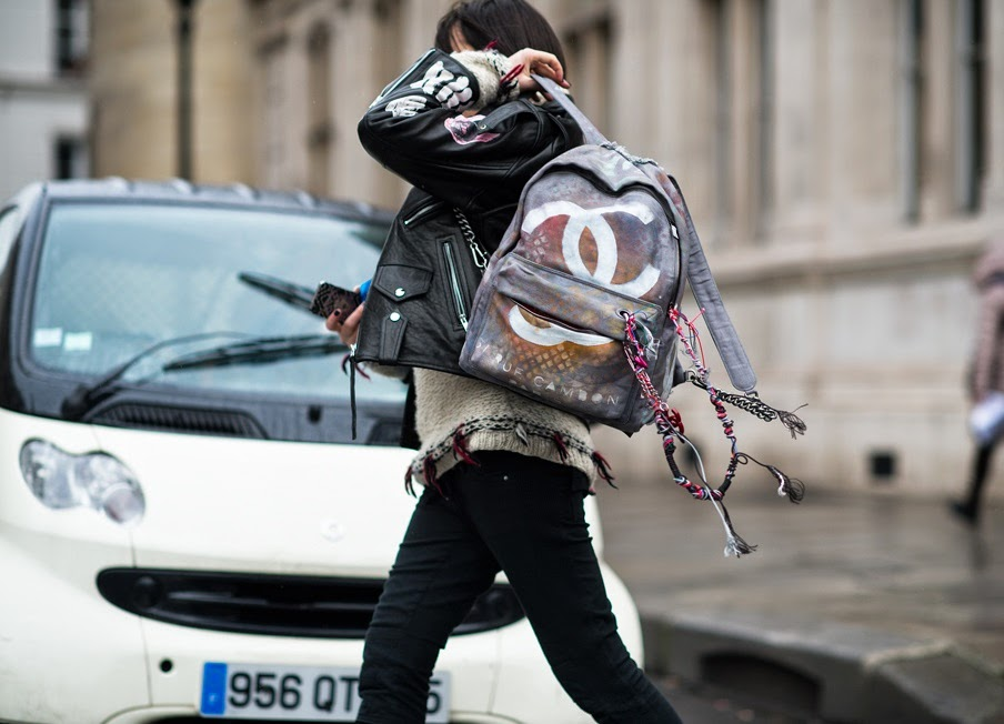 Haute-Couture-Paris-Haute-Couture-Fashion-Week-Spring-Summer-2014-chanel graffiti backpack-street style-front row blog