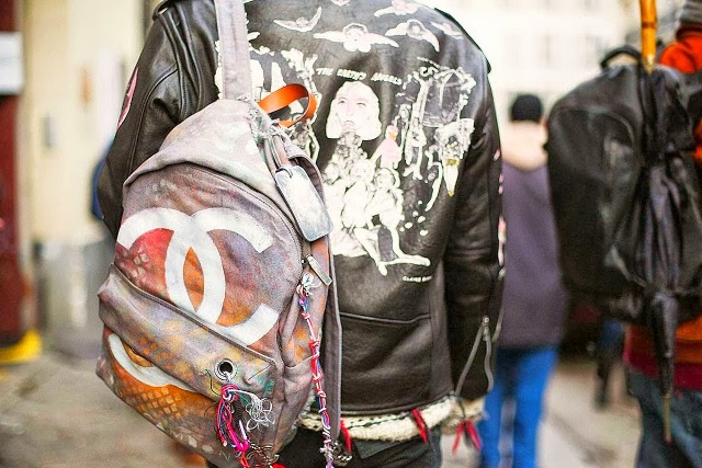 Street-Style-Paris-Haute-Couture-2014-chanel graffiti backpack-front row blog