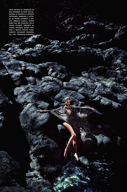 joan-smalls-solve-sundsbo-vogue-italia-may-2014-4