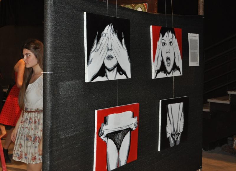 Дело на Инес Ефремова претставено во уметничкиот лавиринт во денсинг салата на МКЦ