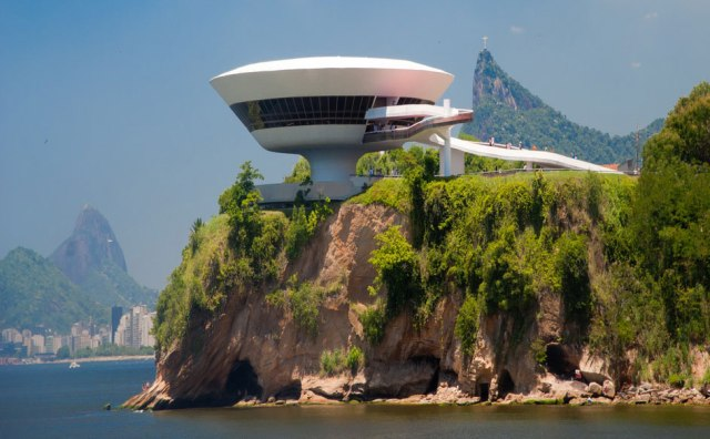 2 niteroi-contemporary-art-museum-07