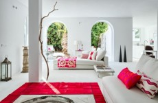 spanish-villa-with-mediterranean-and-ethnic-touches-1-554x367
